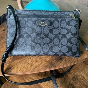 Gorgeous black and gray Coach crossbody